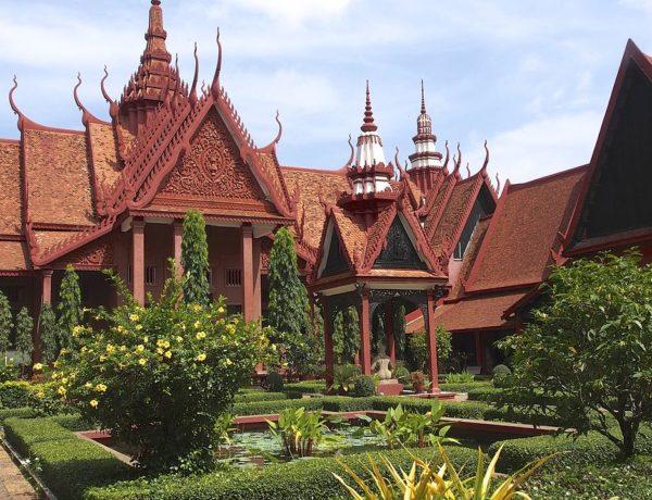 Kambodja, Phnom Penh: Nationalmuséet och S21 (Tuol Sleng)