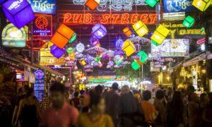 """Kambodja: Siem Reap och Angkor: Pub Street och Siem Reap """"by night"""" med myggattacker"""